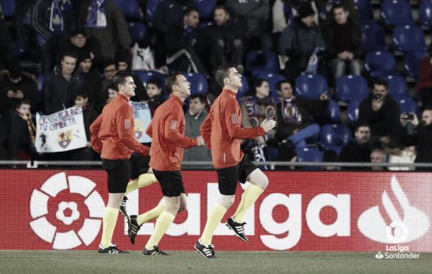 Cuadra Fernández junto a sus dos asistentes | Foto: LaLiga