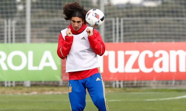 Marc Cucurella con las categorías inferiores de la selección |Fuente: SE Fútbol Selecci