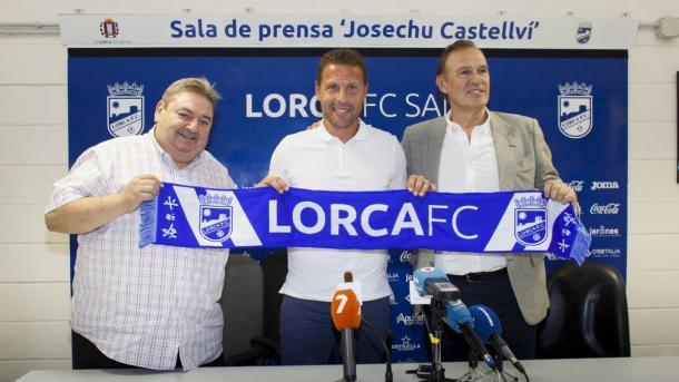 Curro Torres, el día de su presentación. Foto: Lorca FC