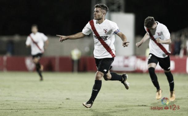 Curro celebra el gol ante la Cultural. Foto: LaLiga