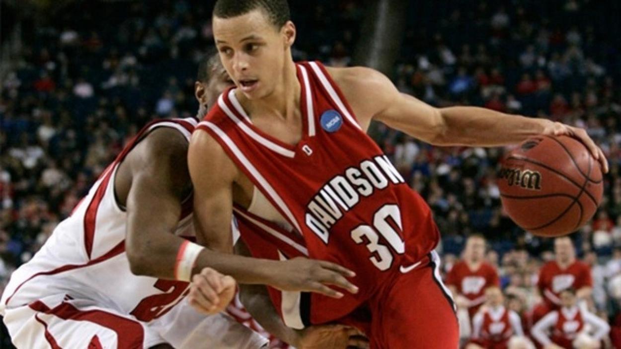 Steph Curry en la Universidad de Davidson, vía NCAA