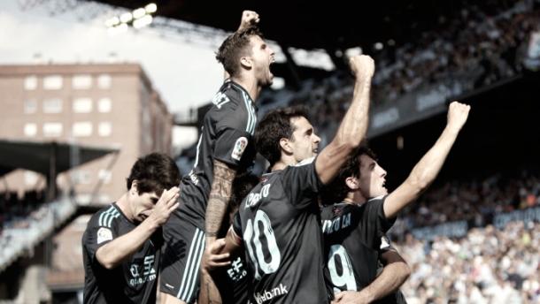 Los jugadores celebran el gol que supuso el acceso a Europa. Foto: Real Sociedad