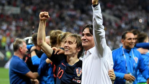 Dalic comemora classificação para final com Modric, craque croata. Foto: FIFA/Getty Images