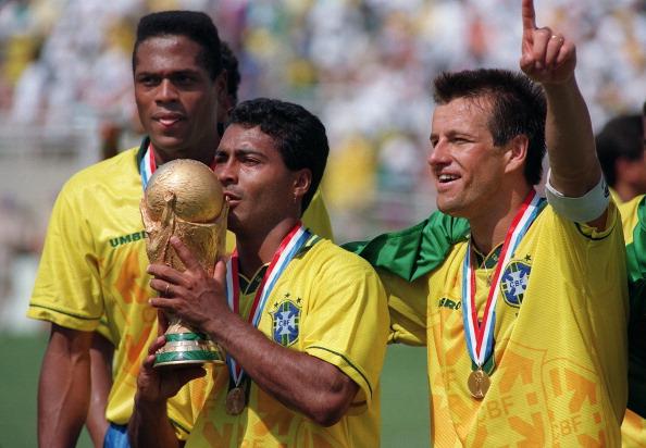Baixinho foi o principal craque do Brasil no tetracampeonato em 1994 (Foto: Daniel Garcia/AFP via Getty Images)