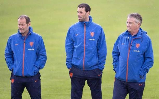 Danny Blind, Ruud van Nistelrooy y Guus Hiddink | Foto: EFE