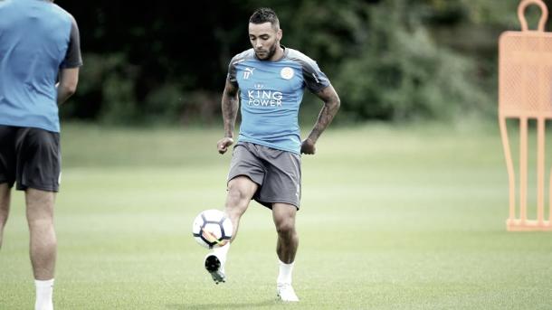 Danny Simpson en el entrenamiento del Leicester. Foto: Web del Leicester.