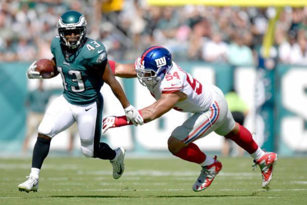 Darren Sproles sofreu duas lesões na mesma jogada e pouco pôde ajudar os Eagles (Foto: Icon Sportswire/Getty Images)