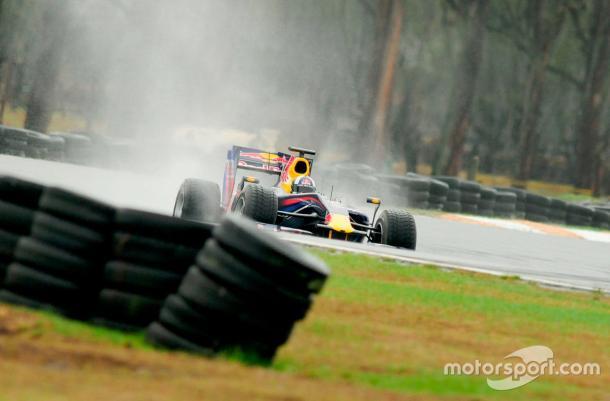 El monoplaza manejado por Coulthard, testeado antes de su exhibición en el autódromo de Tocancipá. Imagen: motorsport.com
