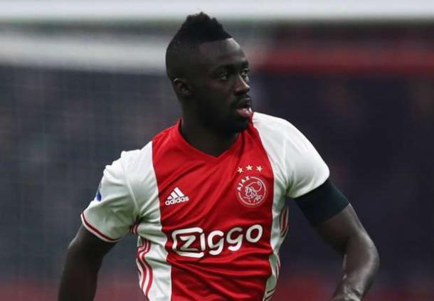 Davinson Sanchez con la maglia dell'Ajax. | Foto: goal.com