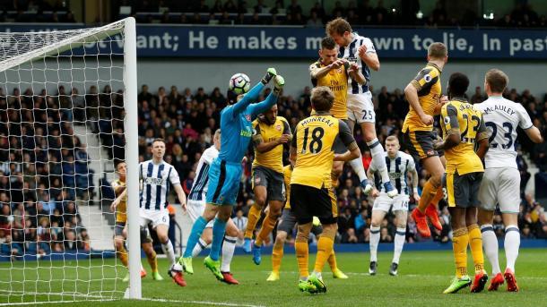 Lo stacco imperioso di Dawson per il momentaneo 1-0, www.premierleague.com