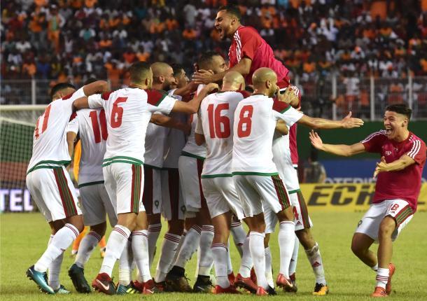 Marruecos al firmar su clasificación. | Foto: FIFA