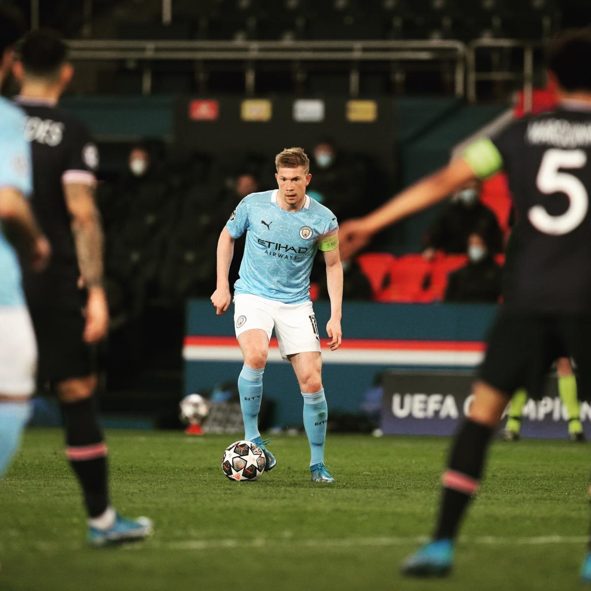 Kevin de Bruyne con el balón en los pies / Foto: Manchester City