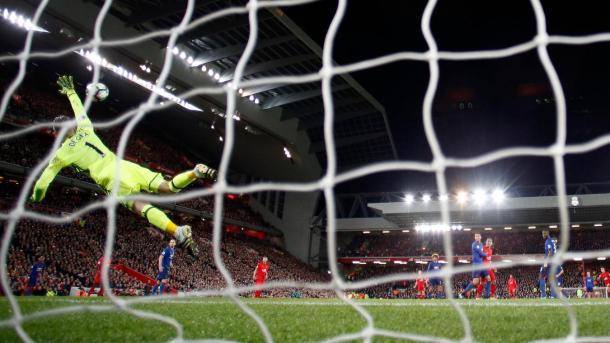 La super parata di De Gea su Coutinho all'andata, www.premierleague.com