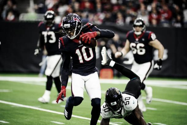 DeAndre em ação contra os Jaguars. Foto: Reprodução/Houston Texans