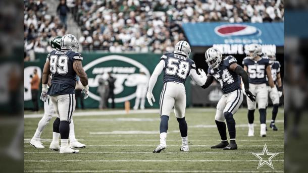 La linea defensiva de Dallas debe presionar a como de lugar a Carson Wentz (foto Cowboys.com)