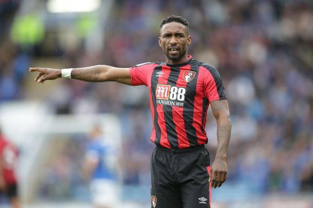 Defoe en el partido frente al Portsmouth | Fuente: afcb.co.uk