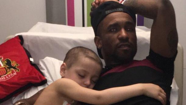 Defoe pasó la noche junto a Bradley en el hospital | Foto: Sunderland