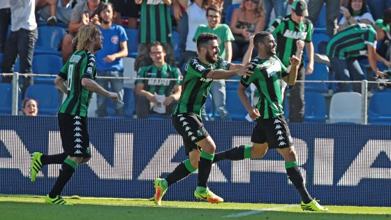 I giocatori del Sassuolo esultano dopo il vantaggio sull'Udinese
