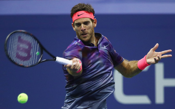 Juan Martin del Potro strikes a forehand during his semifinal loss. Photo: Clive Brunskill/Getty Images