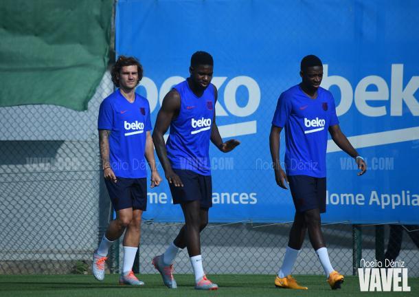 Antoine Griezmann, Samuel Umtiti y Osumane Dembelé en la Ciudad Deportiva. FOTO: Noelia Déniz