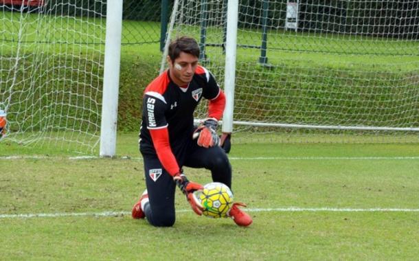 """O jogador permaneceu em campo mesmo ferido, e foi elogiado por parte da torcida por ato """"corajoso"""" (Foto: Érico Leonan/São Paulo FC)"""