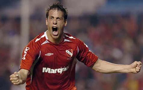 El delantero pudo destrabar su situación con el Atalanta italiano y vuelve al Rojo para ser campeón.