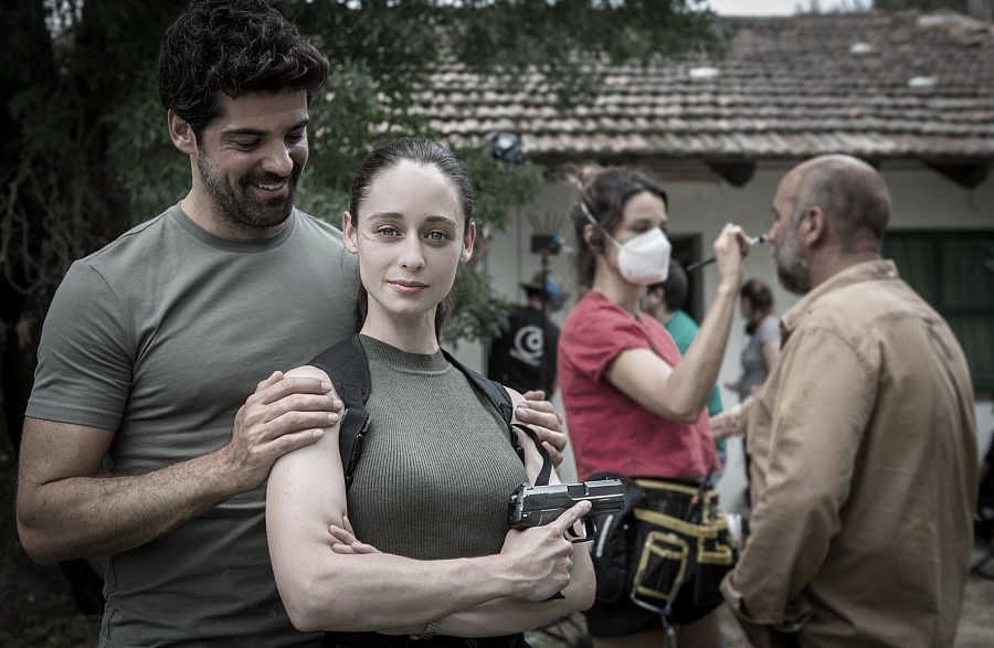 Miguel Ángel Muñoz y Elena Rivera en el rodaje de la serie | Fuente: Miguel Romero