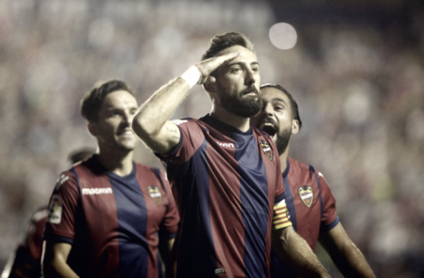 El Comandante Morales celebrando un gol en el Ciutat | Foto: Levante UD.