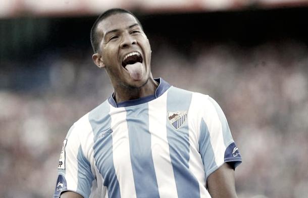 Rondón celebrando uno de los 3 goles que marcó el Málaga en la última victoria como visitante ante el Atleti.