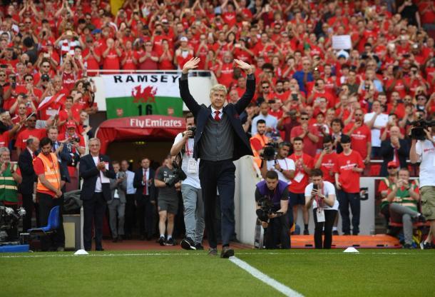 Wenger se despide del Emirates Stadium | Fotografía: Arsenal