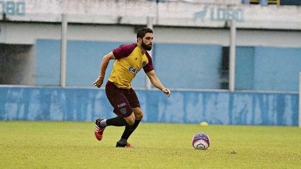 Recuperado de lesão no joelho, Carmona pode ser surpresa entre os titulares (Foto: Fernando Torres/Paysandu)