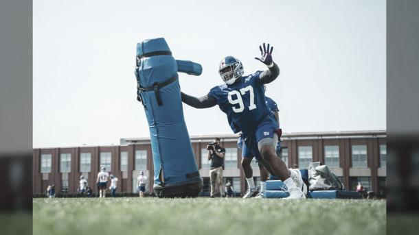 Dexter Lawrece, egresado de Clemson entrenando con los Giants (foto Giants.com)