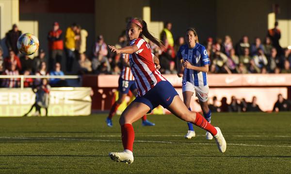 Deyna, en un partido ante el Sporting Huelva. Fuente: Atlético de M.