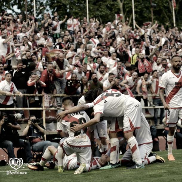 Los jugadores del Rayo Vallecano celebrando el gol | Imagen: www.rayovallecano.es
