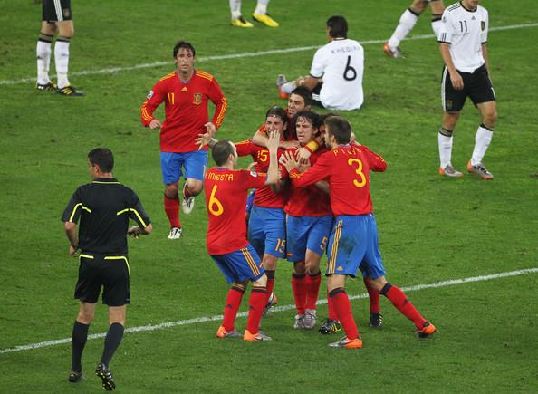Muita comemoração no gol de Puyol | Steve Haag/Getty Images