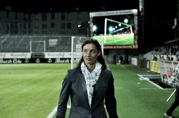 Corinne Diacre firmó por los próximos 4 años con las Bleues. Foto: Zimbio.com.