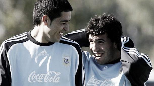 Tévez y Riquelme en un entrenamiento de la selección argentina. Foto: Día a Día