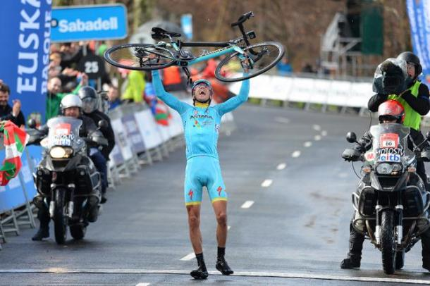 Diego Rosa dopo la vittoria al Giro dei Paesi Baschi