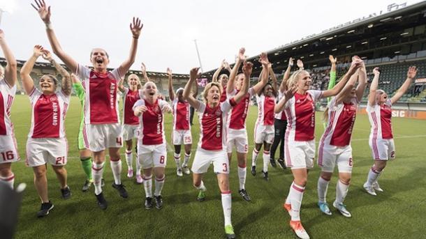 Estreantes e favoritas nesta fase, Ajax promete surpreender (Foto: Divulgação/Ajax)