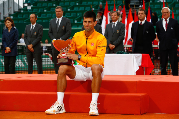 Djokovic holding his second Monte Carlo Masters title in 2015 after defeating Tomas Berdych in three sets (Photo by Julian Finney / Getty Images)