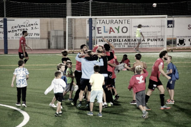 El Formentera celebra el pase de ronda (fuente SD Formentera)