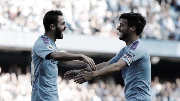 Bernardo celebra su doblete con David Silva./ Foto: Premier League