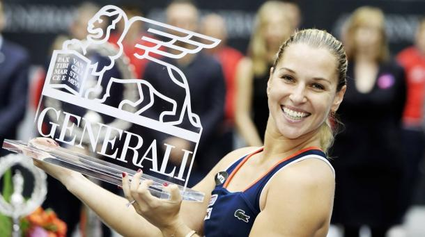 Cibulkova posing with her third title of the year in Linz (Source : GEPA Pictures)