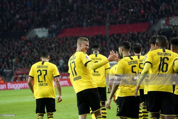 Borussia Dortmund players celebrating | Photo: Getty Images
