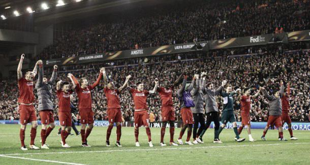 Liverpool celebrate in front of their fans after defeating Borussia Dortmund 4-3. | Photo: Getty Images