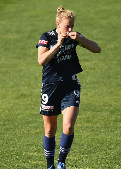 Melbourne Victory forward Natasha Dowie celebrates after she breaks the record for most goals scored in Victory club history. | Photo: Quinn Rooney - Getty Images