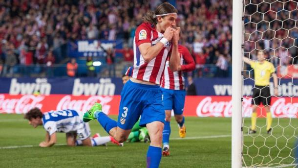 Filipe Luis decisivo con la sua rete alla Real Sociedad. Fonte foto: laliga.es
