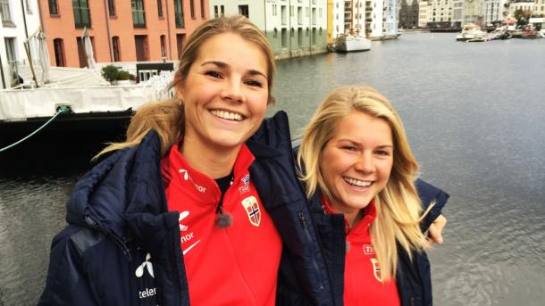 Andrine Hegerberg (left) with her sister, fellow professional and Norway international Ada. (Photo: nrk.no)