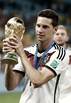Draxler con la copa del Mundo | Foto: Página FIFA