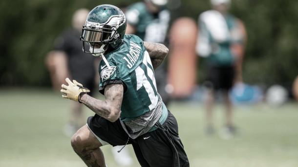 El receptor Desean Jackson nuevamente entrenando con su primer equipo en la NFL (foto Eagles.com)